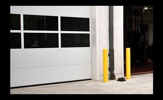 Wayne-Dalton's-220-steel-sectional-overhead-door1