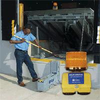 APS Dock Strobe Maintenance Light